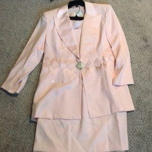 Clara Clara Skirt Suit Size 16 NWOT